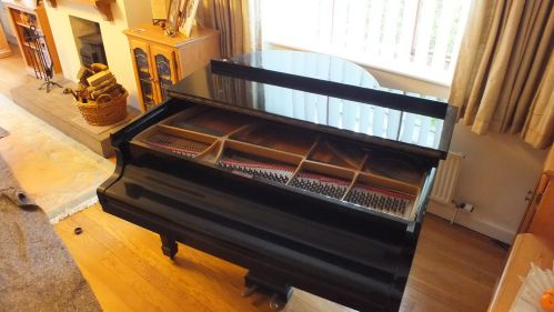 The piano to be moved